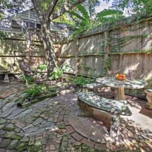 Cozy Houston Home w/Yard Near Downtown Attractions in Houston