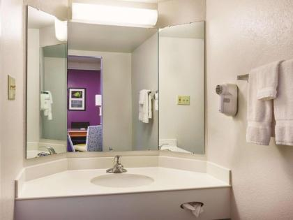 La Quinta Inn by Wyndham Houston Cy-Fair - image 12