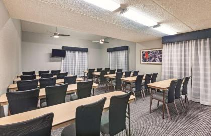 La Quinta Inn by Wyndham Houston Cy-Fair - image 18