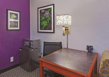 La Quinta Inn by Wyndham Houston Cy-Fair - image 7