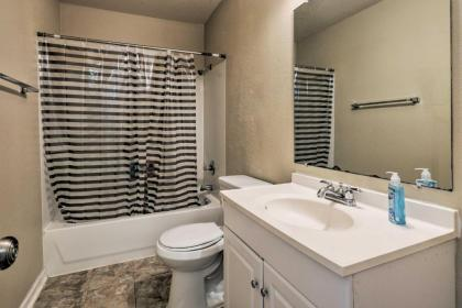 Spacious Apartment Near Downtown Houston and UH - image 19