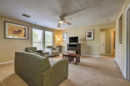 Spacious Apartment Near Downtown Houston and UH - image 20